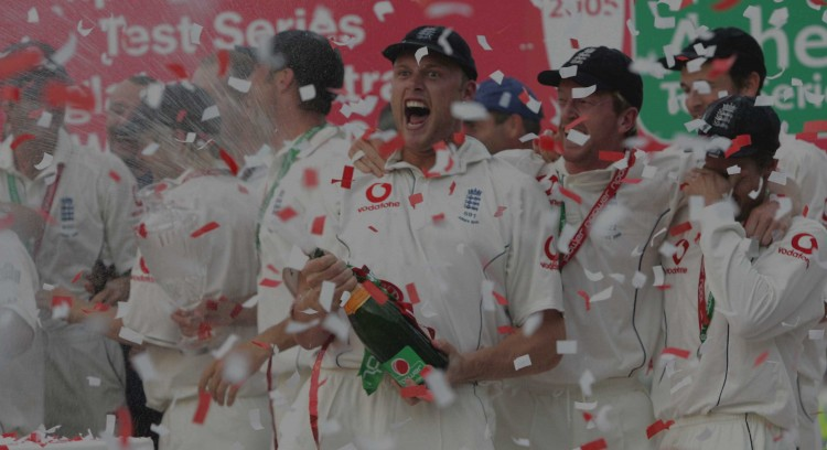 Andrew Flintoff England's Man Of The Series Celebrates Winning The Ashes Series At The Oval Cricket Ground In London After Beating Australia. England Won The Final Fifth Test At The Oval London Which Gave The Home Team A 2-1 Series Win To Seal Engla